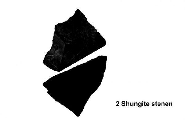 Twee grote Shungite stenen